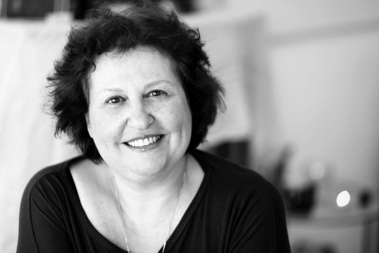 איריס קלמן, מנהלת המרכז הפיזיו רוחני לרפואת המיתרים